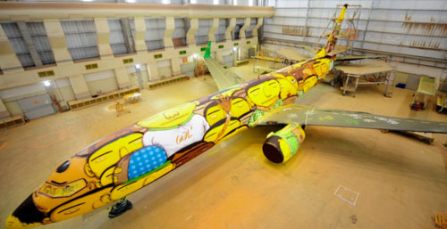 os-gemeos-world-cup-plane-5