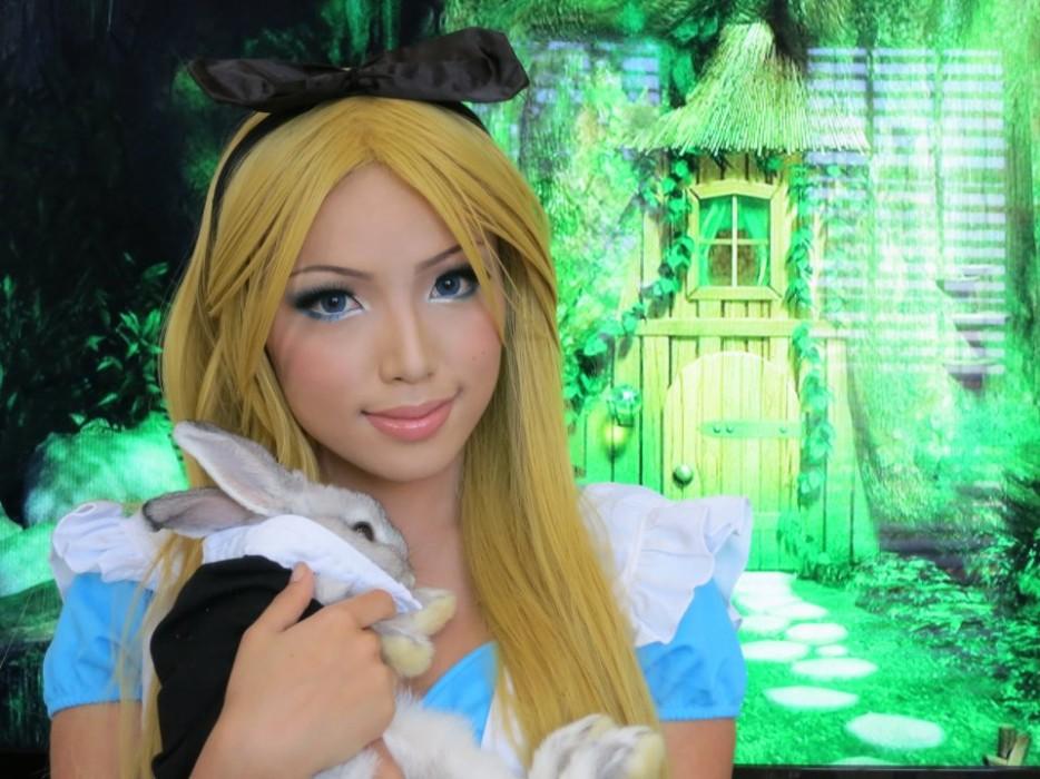 Promise Phan Alice from wonderland