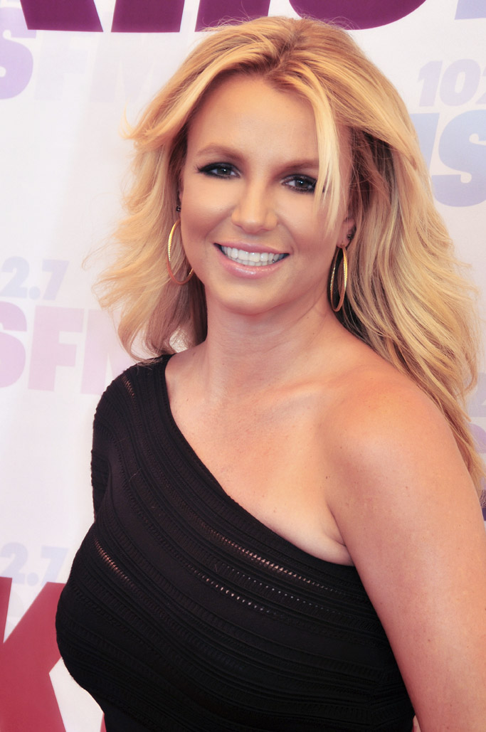 Britney_Spears_pimples